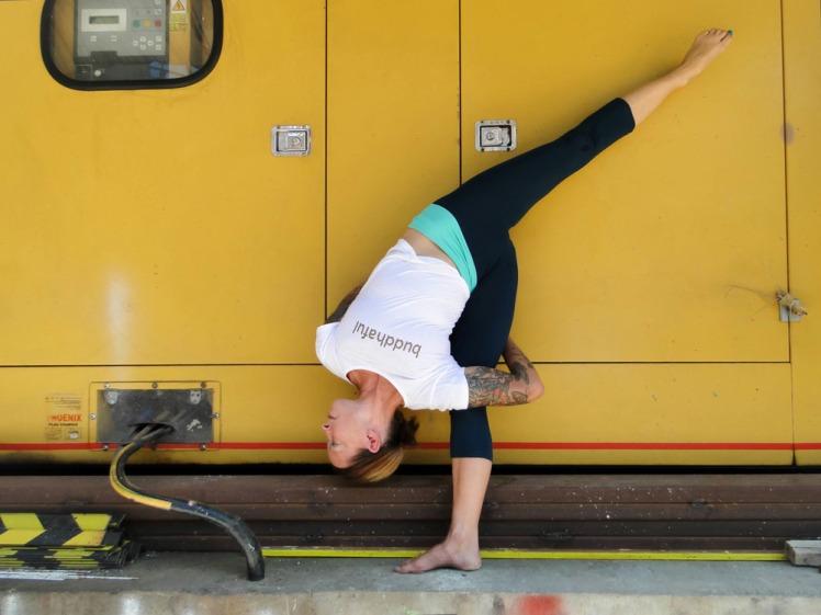 Urban+Yoga+ardha+chandrasana+Denise+Payne